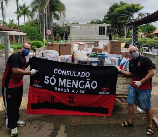 Consulados Só Mengão e Fla Noroeste, do DF, arrecadam alimentos e artigos de higiene e limpeza