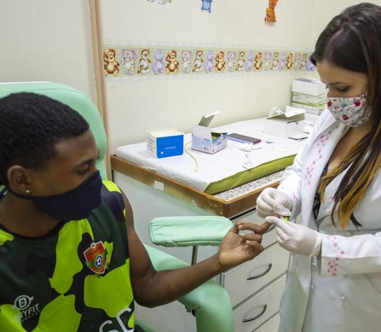 Flamengo realiza testes de Covid-19 em comunidades do Rio