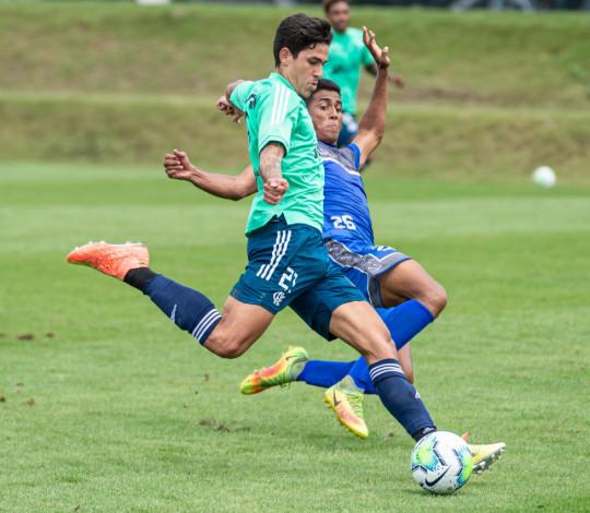 Em jogo-treino, Flamengo goleia Olaria por 9 a 0