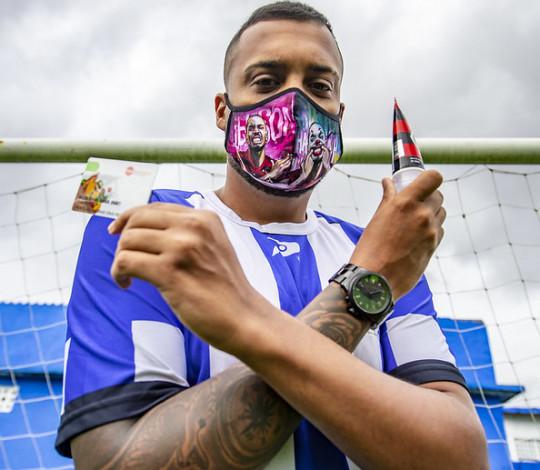'Nação Solidária' leva ajuda a clube da Baixada Fluminense