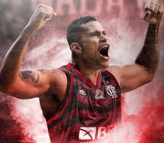 """Hettsheimeir enaltece o Flamengo e frisa: """"Quero honrar o Manto Sagrado"""""""