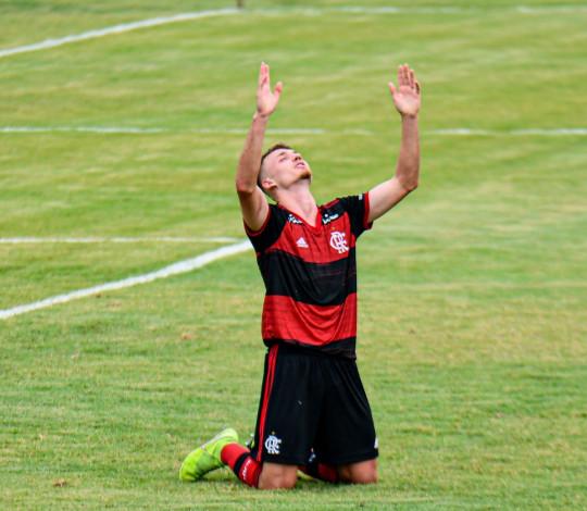 Sub-20 vence o Nova Iguaçu no retorno da Taça Guanabara
