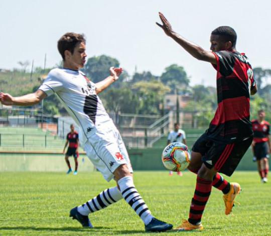 Flamengo perde para o Vasco por 3 a 2 em clássico movimentado pela Taça Guanabara Sub-20