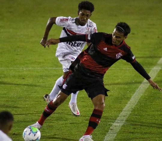 Fora de casa, Flamengo empata com o São Paulo pelo Brasileiro Sub-20