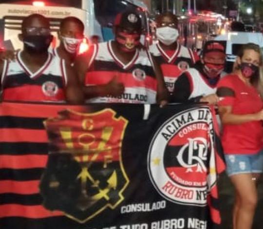 Movimento Rubro-Negro volta a distribuir doações em São Gonçalo para pessoas em situação de rua