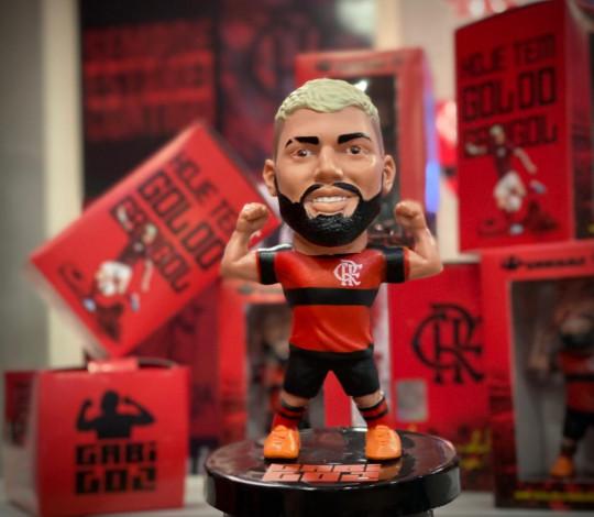 Flamengo lança mini-ídolo do Gabigol