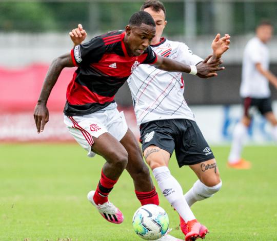 Flamengo perde de 2 a 0 para o Athletico-PR na Gávea