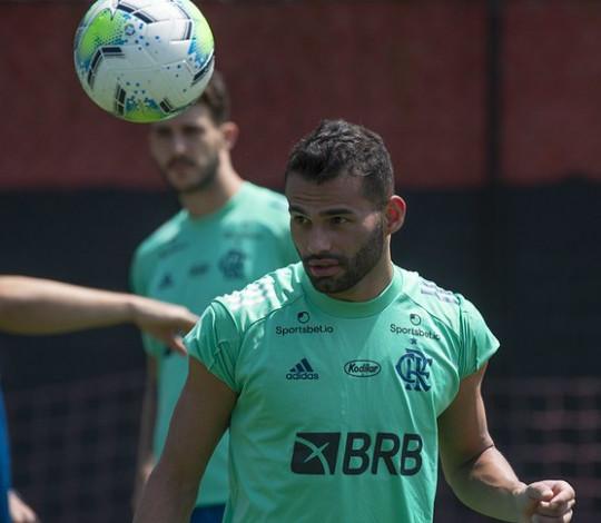 Flamengo faz últimos ajustes antes da partida diante do Goiás