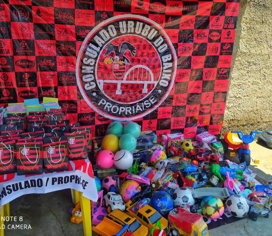 Consulado Urubu do Baixo faz ação de Dias das Crianças