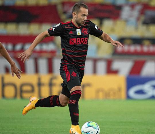 Flamengo empata em 1 a 1 com RB Bragantino no Maracanã