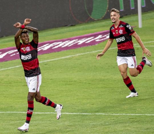 Mengão vence o Junior Barranquilla por 3 a 1 e garante o primeiro lugar no Grupo A da Libertadores