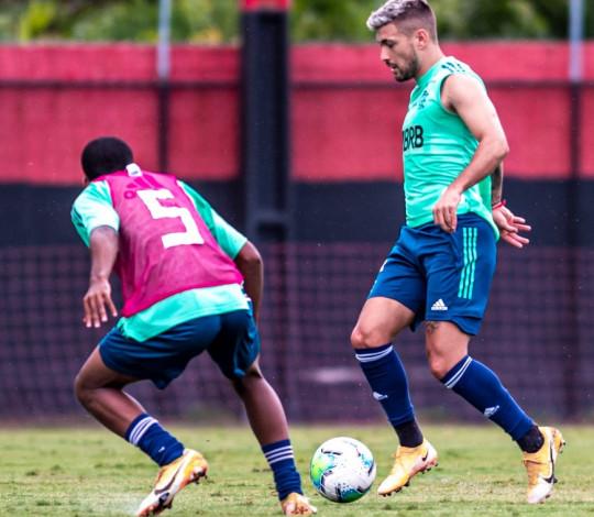 Flamengo se reapresenta no Ninho do Urubu e realiza jogo-treino contra o Sub-17