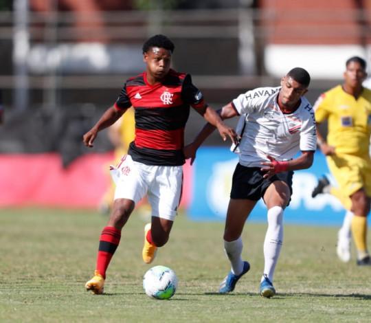 Em grande jogo na Gávea, Sub-17 perde para o Athletico PR pelo Campeonato Brasileiro