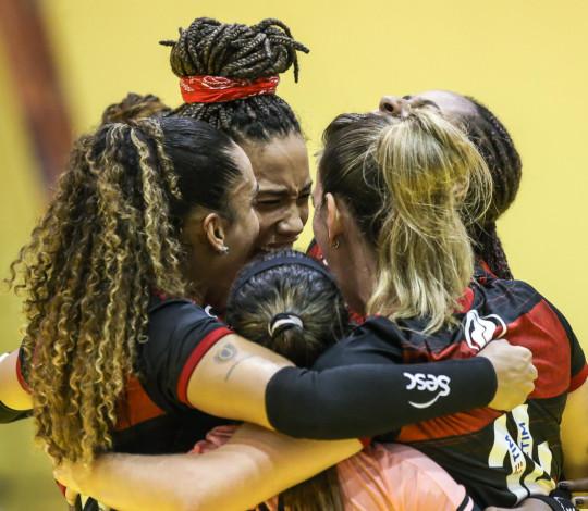 Sesc RJ Flamengo vence o Itambé Minas e vai para a final do Troféu Super Vôlei