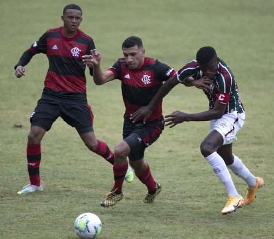 Sub-17 é superado pelo Fluminense nas Laranjeiras