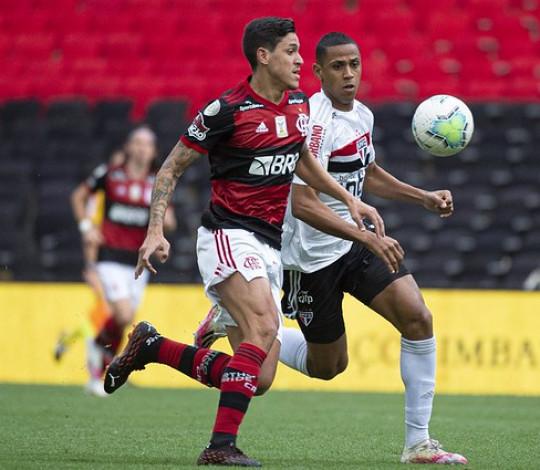 Flamengo perde para o São Paulo por 4 a 1, no Maracanã