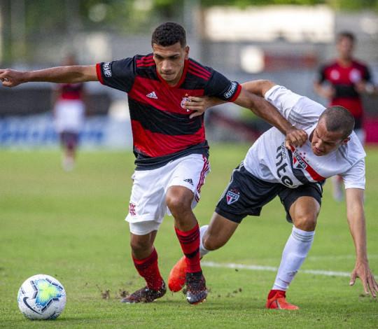 Sub-17 perde para o São Paulo pelo Campeonato Brasileiro
