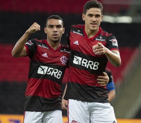 Flamengo vence o Athletico-PR por 3 a 2 e se garante nas quartas da Copa do Brasil