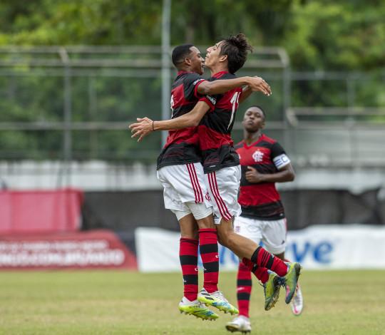 Sub-17 atropela o Santos na Gávea, e garante vaga nas quartas de final do Campeonato Brasileiro
