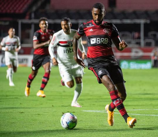 Flamengo é derrotado pelo São Paulo por 3 a 0 e encerra participação na Copa do Brasil
