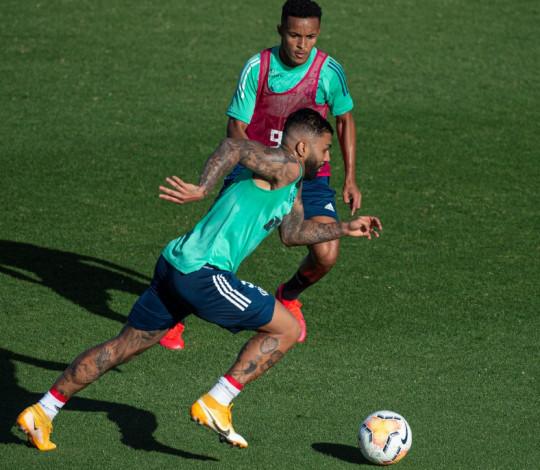 Em Buenos Aires, Flamengo realiza último treino antes do confronto contra o Racing Club