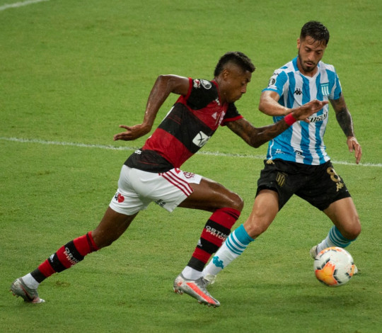 Nos pênaltis, Flamengo perde para o Racing e encerra a participação na Libertadores
