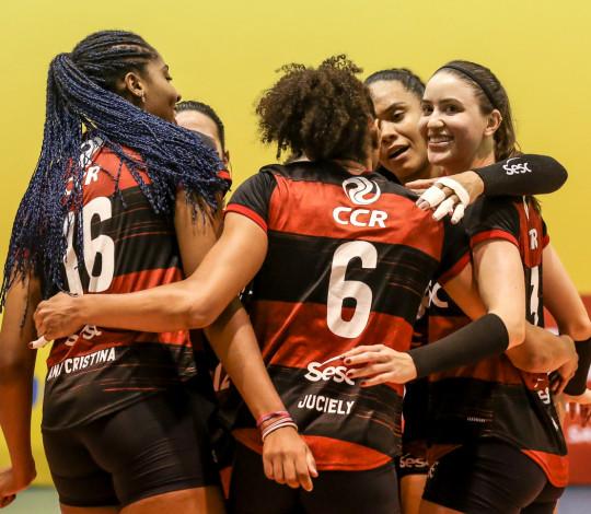 Sesc RJ Flamengo volta a vencer na Superliga Feminina