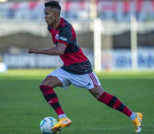 Flamengo enfrenta o Fluminense pelas quartas de final do Brasileiro Sub-20
