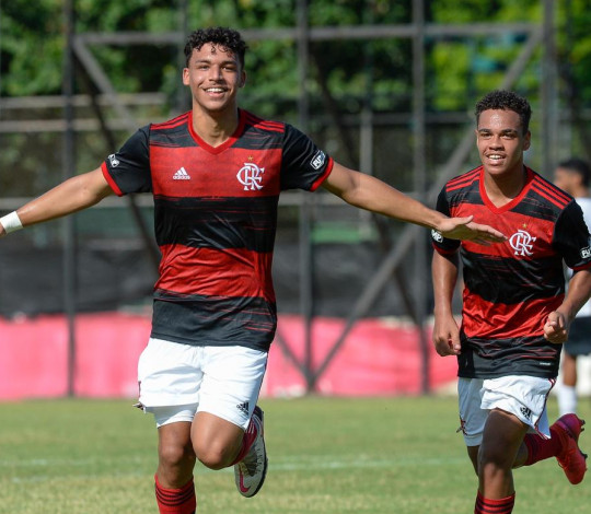 Sub-17 vence o Sport por 2 a 1 e está na semifinal da Copa do Brasil