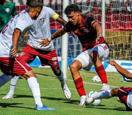 Flamengo perde para o Fluminense no primeiro jogo das semifinais da Copa do Brasil Sub-17