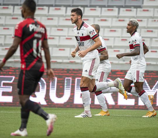 Flamengo perde para o Athletico-PR por 2 a 1 na Arena da Baixada