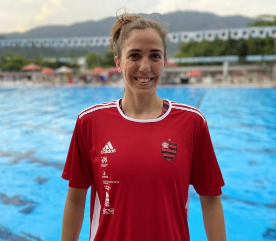 Manuela Canetti está de volta às piscinas da Gávea