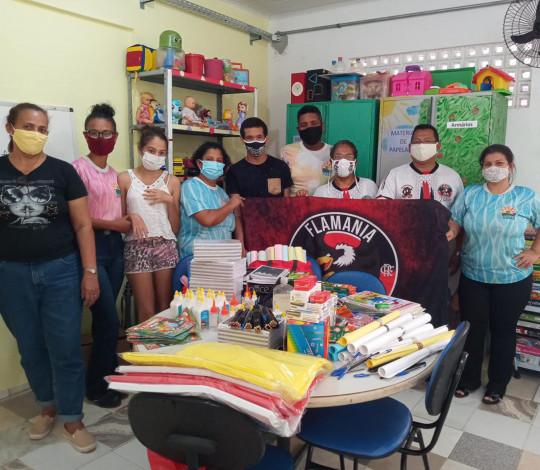 Consulado Flamania Sergipe faz entrega de material escolar para o Ciras