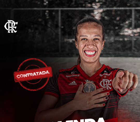 Stella é a nova contratação do Flamengo para o futebol feminino