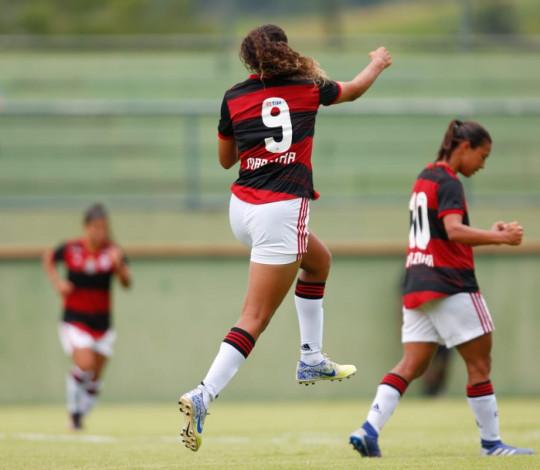 Flamengo goleia o Vasco por 4 a 0 pelo Carioca Feminino