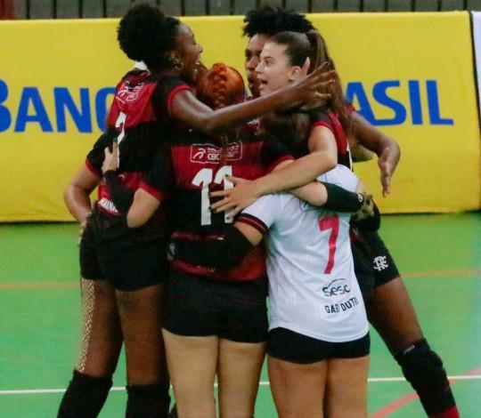 Flamengo vence Bradesco e se classifica para as semifinais da Superliga B