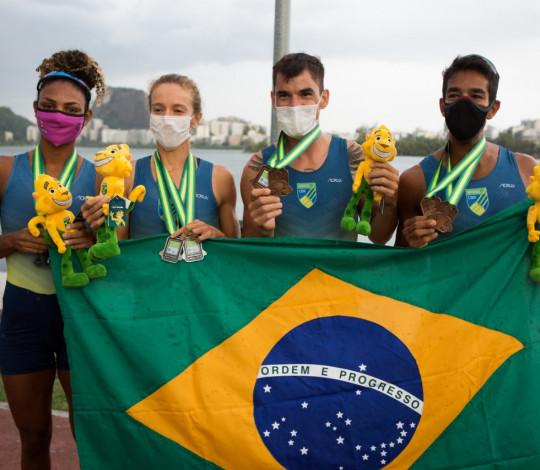 Isabelle/Vanessa e Emanuel/Evaldo garantem medalhas, mas ficam fora da Olimpíada