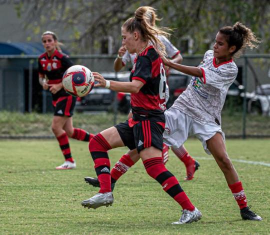 Mengão goleia o América por 5 a 0 pelo Cariocão Feminino