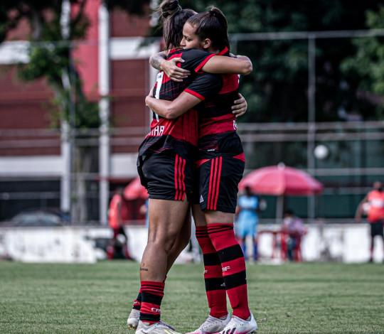 Mengão goleia a Portuguesa por 6 a 0 e conquista a Taça Guanabara Feminina de forma invicta