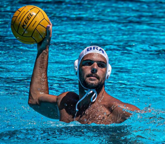 Seleções Brasileiras de polo aquático realizam treinos na Gávea