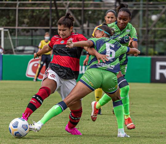 Flamengo empata com Minas Brasília na estreia pelo Brasileirão Feminino