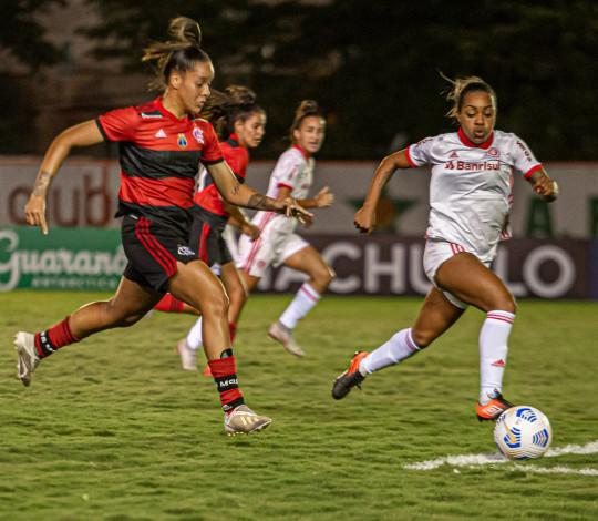 No Luso Brasileiro, Flamengo perde para o Internacional por 1 a 0 pelo Brasileirão Feminino