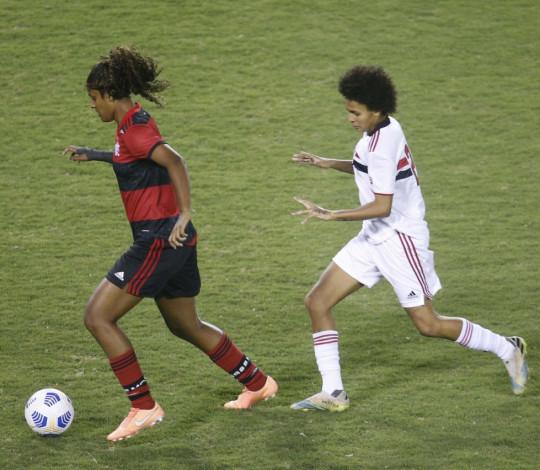 Fora de casa, Flamengo é derrotado pelo São Paulo por 3 a 0 no Brasileirão Feminino
