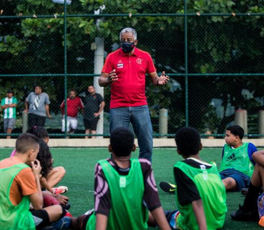 """Projeto social do Flamengo, """"Campo dos Sonhos"""" realiza peneiras na Chácara do Céu, na Grande Tijuca"""