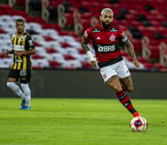 Mengão goleia o Volta Redonda por 4 a 1 e está na final do Carioca
