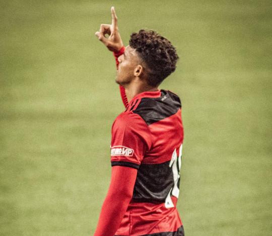 Sub-17 estreia no Campeonato Brasileiro com grande vitória fora de casa