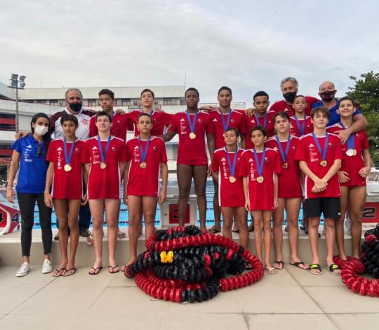 É campeão! Flamengo vence o Estadual de Polo Aquático Sub-15 e Sub-21
