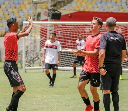 Escola Flamengo lança Programa Júnior e promove ainda mais oportunidades aos jovens