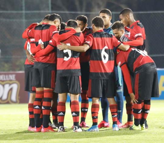 Fora de casa, Sub-17 do Mengão vence o São Paulo por 1 a 0 e mantém invencibilidade no Brasileiro