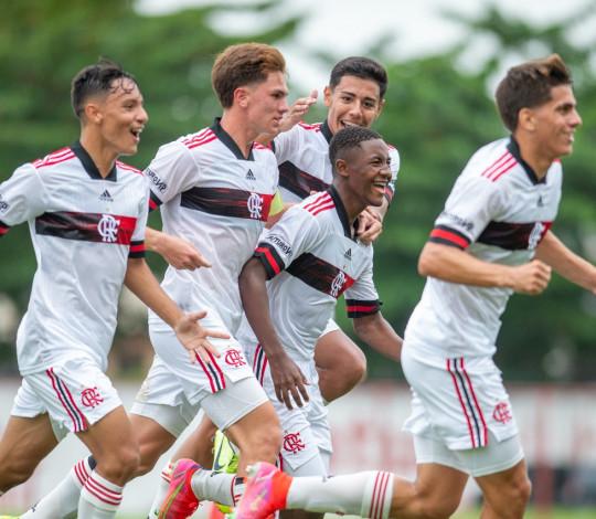 Sub-15 e Sub-16 vencem a Portuguesa pela Copa Rio